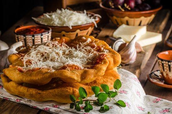 2in1 Tour: Hungarian Lángos Tasting