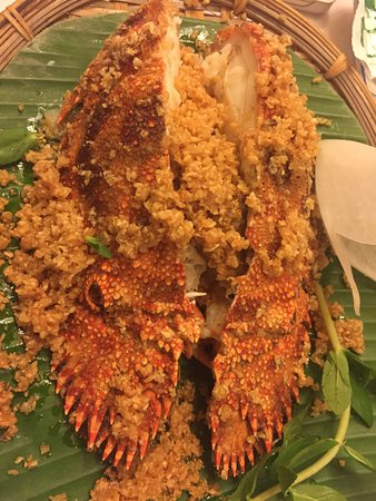 Song Ngu Seafood Restaurant: 1,000,000VND/PERSON