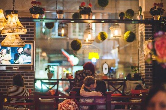 Benjamin Cafe: Уютное кафе Бенджамин