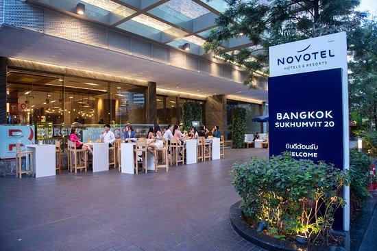 Novotel Bangkok Sukhumvit 20: Hotel Entrance