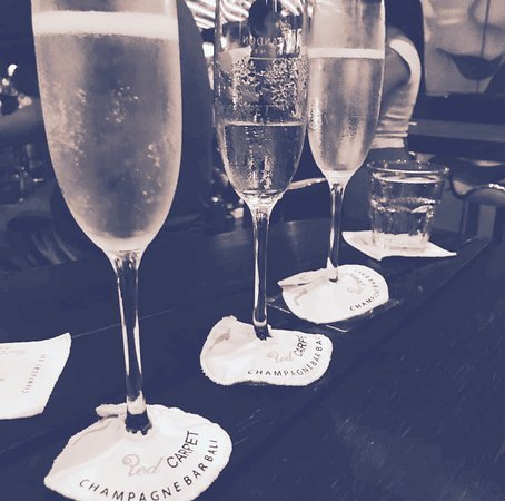 Red Carpet Champagne Bar: Champagne - andtheadventurecontinues.ie review