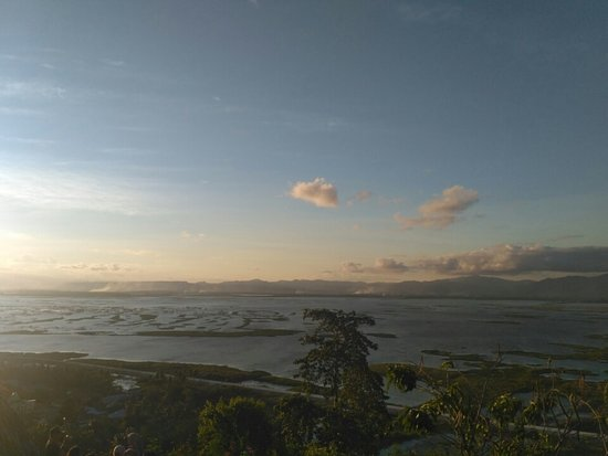 Otanaha Fortress: Danau Limboto dari Benteng