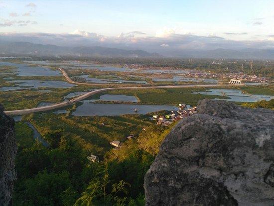 Otanaha Fortress: Danau Limboto