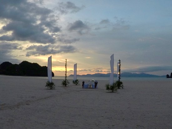 Tanjung Rhu Resort : The Beach Barbeque was amazing