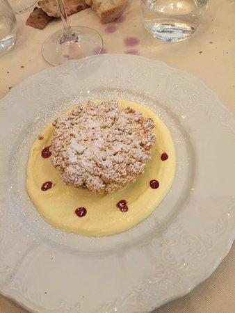 L'Angolo Divino: Tortino di mandorle e crema pasticcera...un delizioso dessert