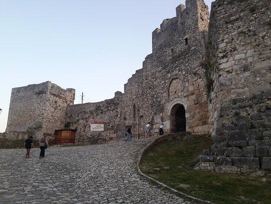 Berat Castle: Porta principale