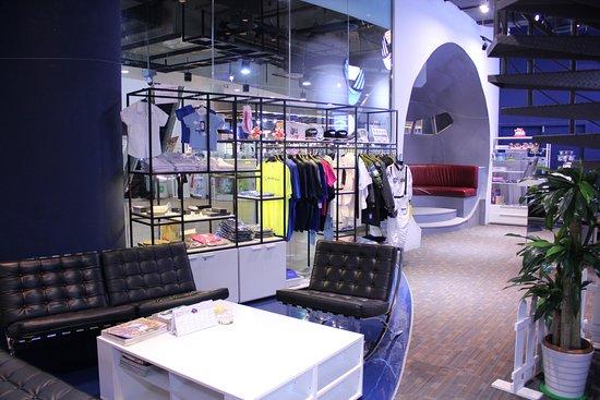 Flight Experience Bangkok: Lobby area