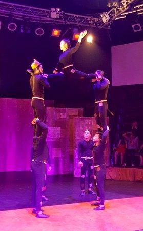 Phare, The Cambodian Circus: Sample of acrobatics