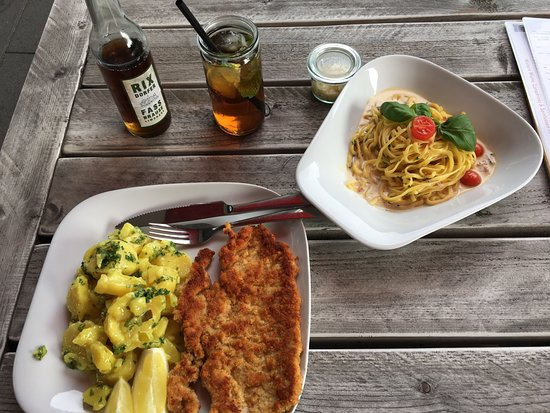 Kantine Deluxe: Schnitzel, Carbonara and some lemonades from their drink list