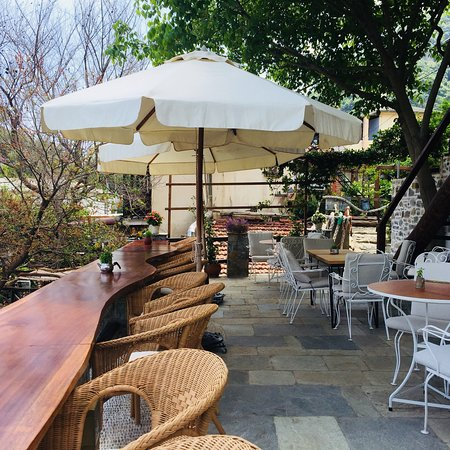 Victoria's Cafe : New look
