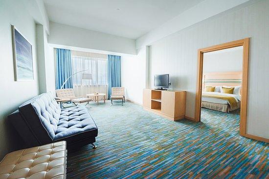 """Riviera Sunrise Resort & Spa Alushta: Номер категории """"Люкс"""" в корпусе Modern с видом на море"""