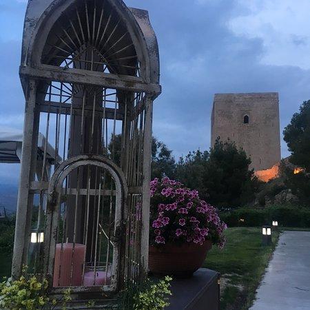 Las Caballerizas del Castillo de Lorca: Terraza por la noche