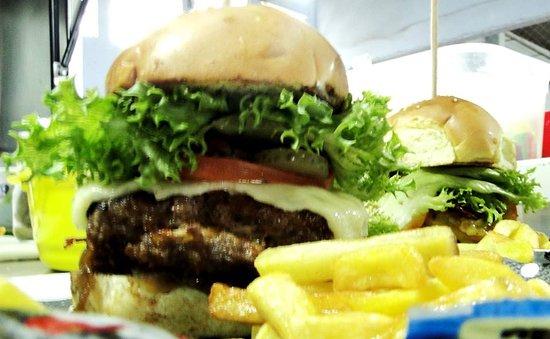 Mr. Pimenta Food Trailer: lanche4