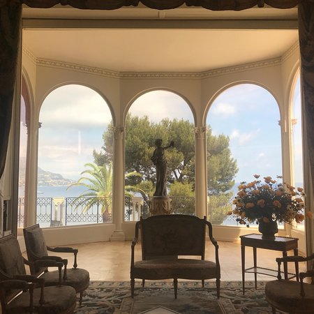 how to get to villa ephrussi de rothschild from nice