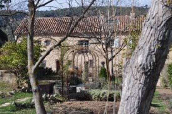 La Bastide de Moustiers : Beautiful grounds and entrance to reception
