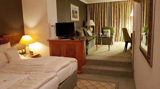 Steigenberger Hotel Der Sonnenhof ภาพถ่าย