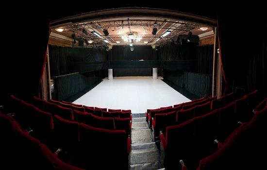 Bethlen Theater