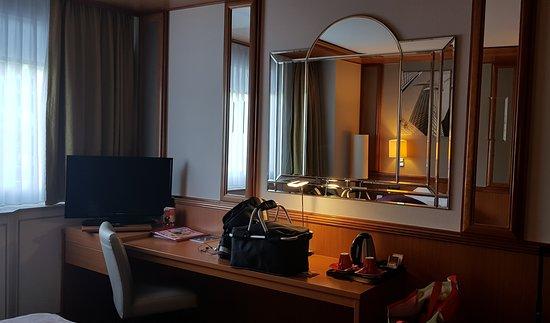 Tv In Spiegel : Mirrorvue spiegel tv beautiful spiegel tv badkamer mattyo