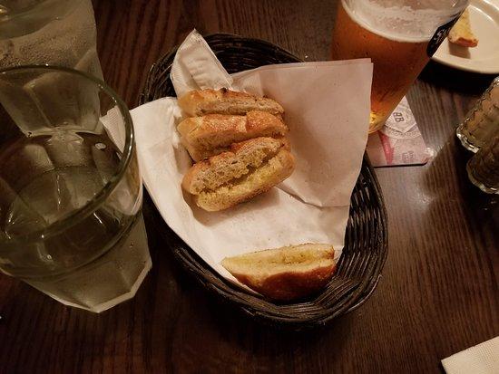 Patzeria Family & Friends : Free Bread