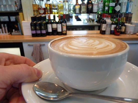 Ffin y Parc Gallery: Coffee and Wine Bar