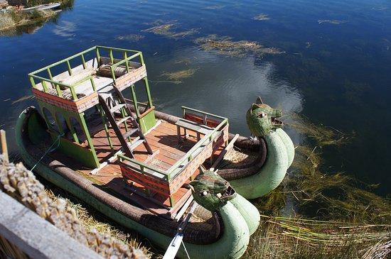 フルデイガイドチチカカツアー:ウロス島浮島とタキール島 Picture