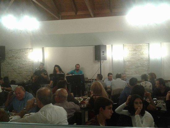 Amaliada, Greece: κατι απο τις live βραδιες μας!