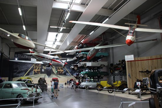 Auto & Technik Museum (Automobile and Technology Museum): Eingang Halle 1