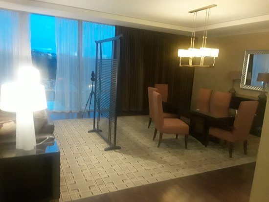 Fairmont Pittsburgh: Presidential Suite Dining Room