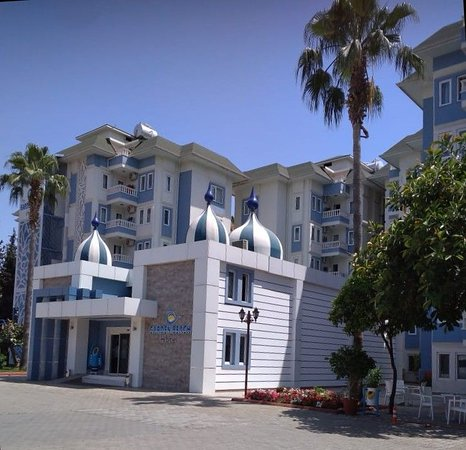The Garden Beach Hotel ภาพถ่าย