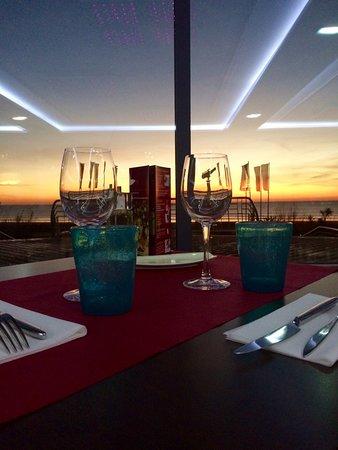 Le Cap Restaurant : Vue sur l'océan