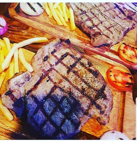 Dubai Restaurant sukhumvit soi22: #dinner #light #food #myday #couple #patner #romantic #hangout #date #memories #life #night #sta