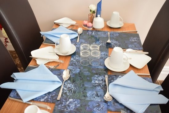 Grosvenor View - Guest House : Dining Room