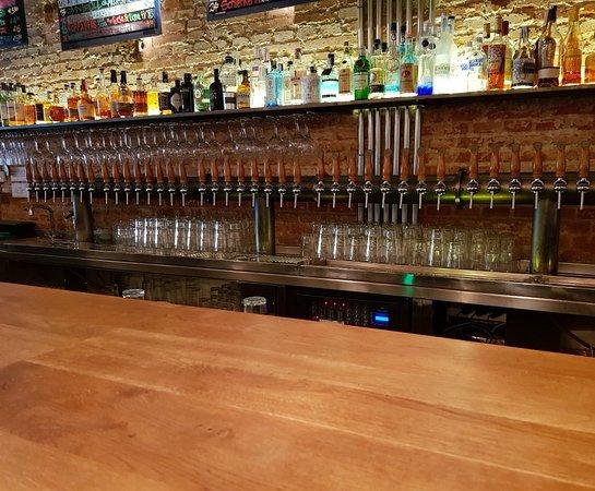 Taproom Madrid: Great craft beer bar