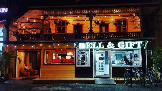 Calipso Bocas Town B&B : Fachada del edificii