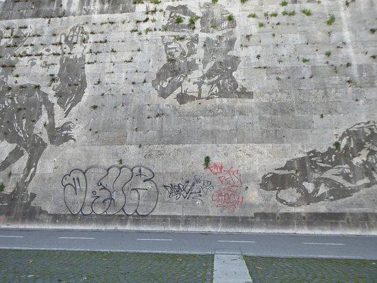 Triumphs And Laments: Cartoline da Roma, Italia