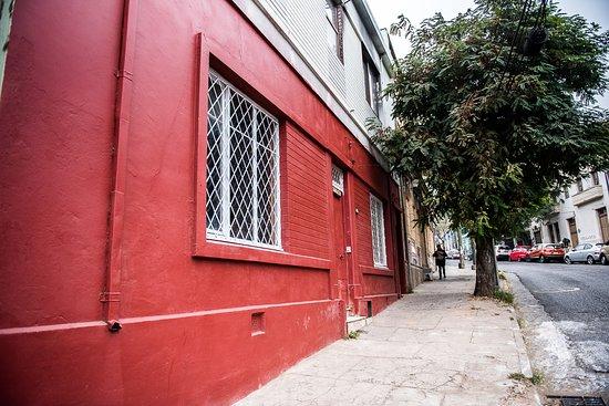 Hostal Licanantay: entrada principal fachada