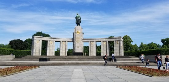 柏林臭名昭著的第三帝国遗址半日徒步游照片