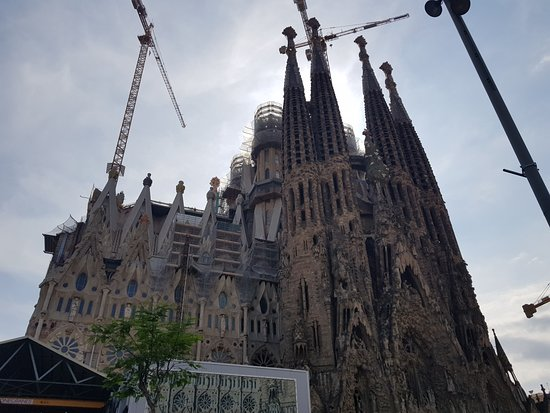 โบสถ์แห่งครอบครัวศักดิ์สิทธิ์: Sagrada Família