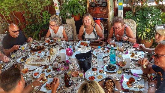 CINARLAR PIZZA GARDEN,grill & sea food: Çınarlar Pizza ve Pide