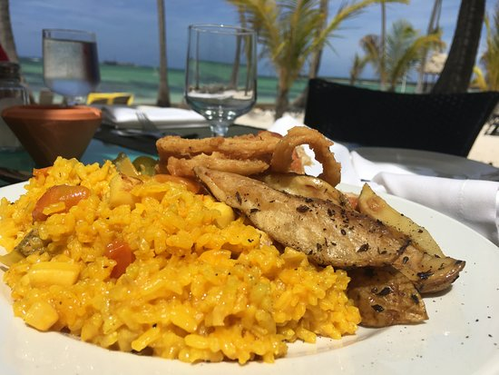 Premium Level at Barcelo Bavaro Palace: La Brisa - best restaurant for lunch i know