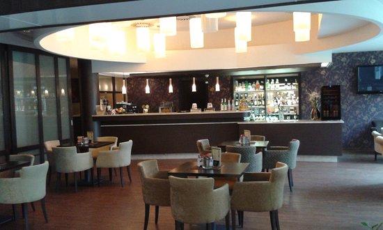 Thermal Hotel Harkany: a bár és a lobby