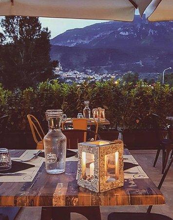 Pratola Peligna, Italy: Vista dalla nostra terrazza esterna