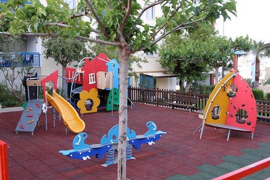 Ibiscos Garden Hotel: Outdoors Kids Playground