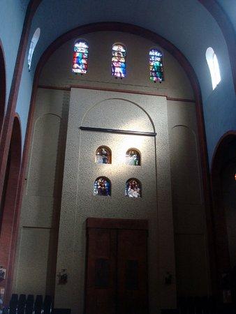 Santuario di Santa Rita: Interno della chiesa