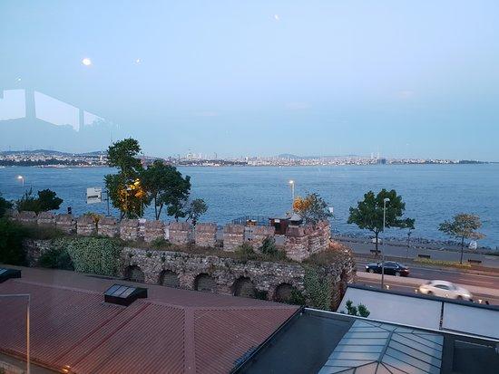 Armada Terrace Restaurant : Sea view