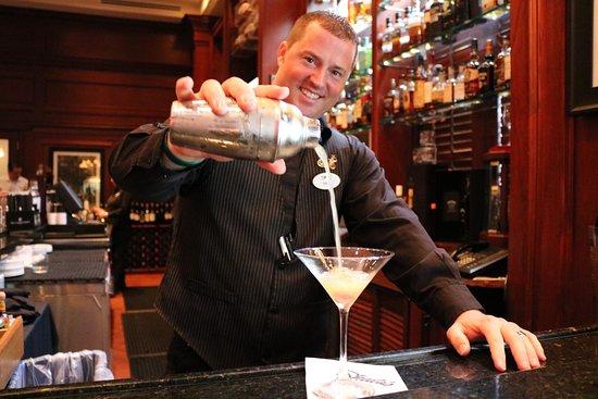 Shula's Steak House - Naples : Senior Bartender, Eric