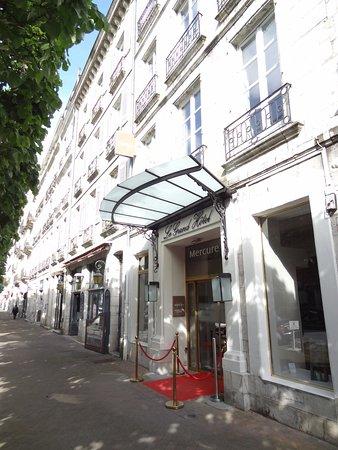 Hotel Mercure Bayonne Centre Le Grand Hotel: Entrance