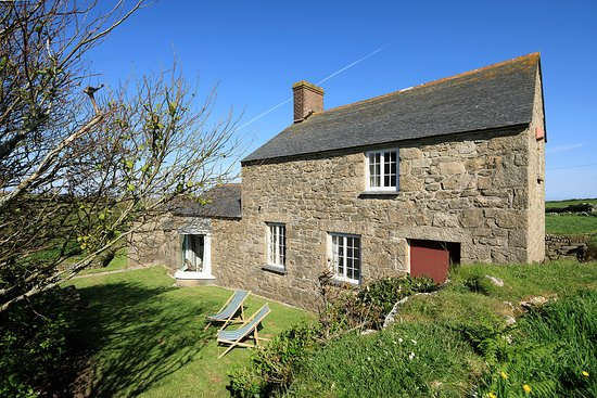 Zennor, UK: getlstd_property_photo