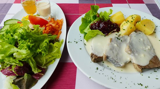 Meistertrunk : Tafelspitz mit Salatplatte € 14,90