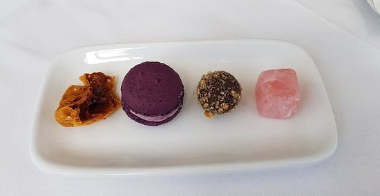 The Garden Brasserie : Petit fours